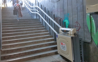 Katlanabilir Merdiven Tipi Engelli Asansörü